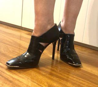 Zapatos tacón negros Jimmy Choo Talla 39