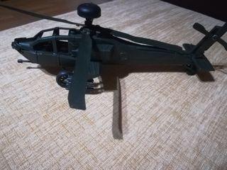 helicoptero Apache USA