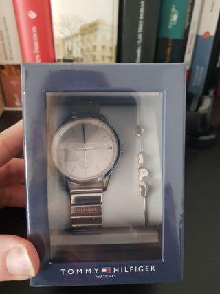 Set de reloj y pulsera Tommy Hilfiger