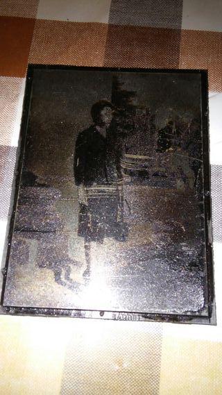 Antigua plancha de imprenta con fotografía