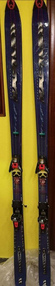 Esquís Kastle y fijaciones salomon 850