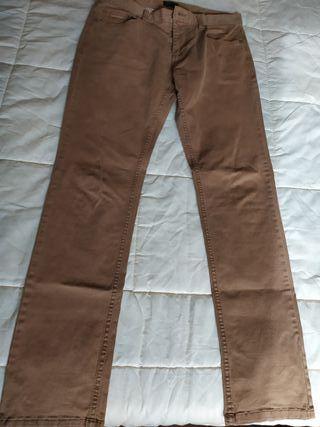 pantalón vaquero hombre color camel talla 42