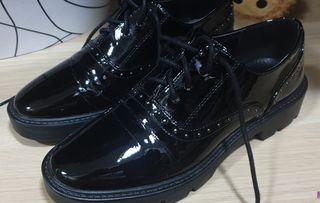 zapatos bajos con cordones