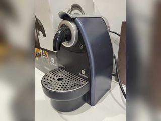 Cafetera Nespresso Krups Essenza Automatic
