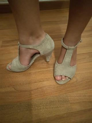 Zapato de tacón Naf Naf