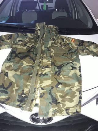 ropa y complementos militares