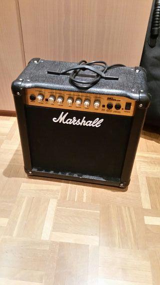 amplificador para guitarra Marshall 15 W