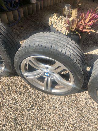 """Llantas 17"""" bmw con neumáticos brigestone al 70%"""