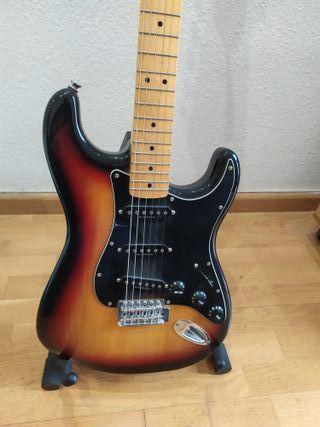 Guitarra Fender Squier Classic Vibe 70s Strato