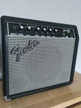 Amplificador de guitarra Fender Frontman 15g