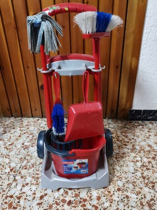 Carro de juguete limpieza