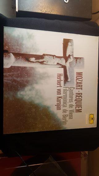 Requiem..Mozart - Herbert von Karajan , Cantores D