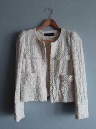 chaqueta corta Zara