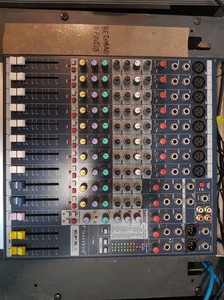 Mesa de mezclas Soundcraft EFX8
