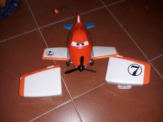 Avión Dusty teledirigido.