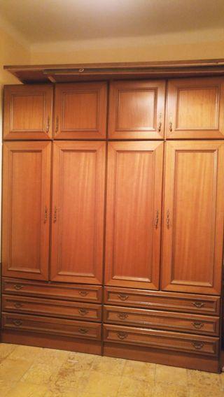 dormitorio armario espejo mesitas cabecera