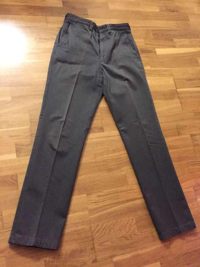 Pantalón marca Zara talla 38 chinos