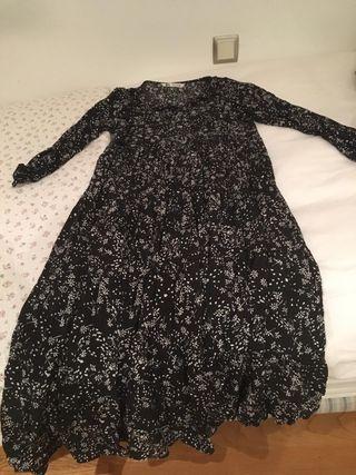 Vestido largo de Zara. Talla L