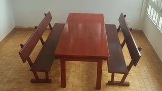 mesa y bancos ideal para comidas familiares