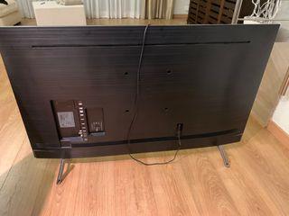 Televisión LED 55 pulgadas 8K Samsung rota