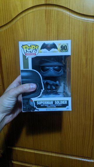Figura Funko Pop Superman Soldier Batman