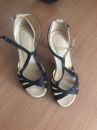 Zapatos baile dorados y negros