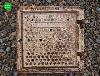 Trampilla fundición para pared REF_VR001