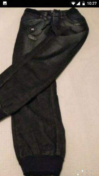 Pantalones vaqueros Berska