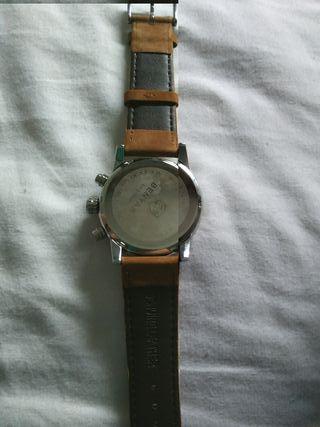 Reloj Benyar