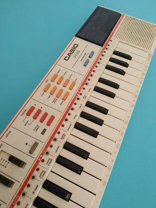 PIANO CASIO PT-82 MUSICAL ROM RO 551 ELECTRÓNICO