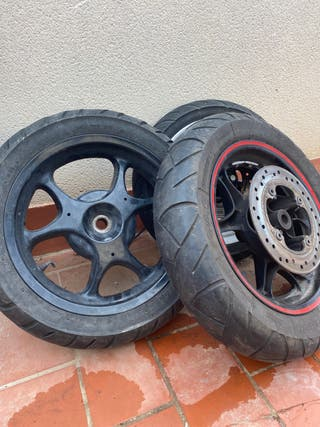 ruedas de honda PS 125 Con neumáticos