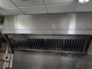 Campana extractora industrail para restaurante.