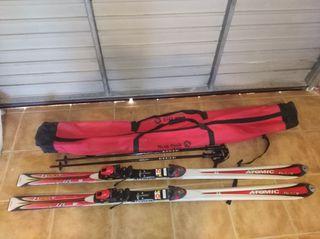 Esquís, palos y funda.