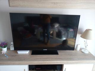 Se vende television de 55 pulgadas