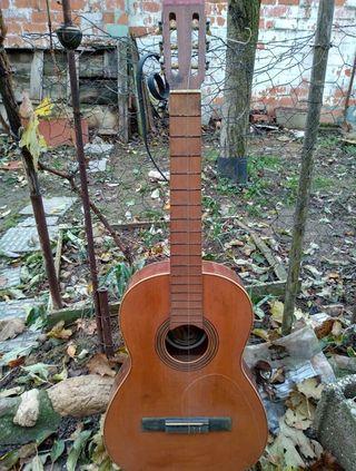 Guitarra española para restaurar