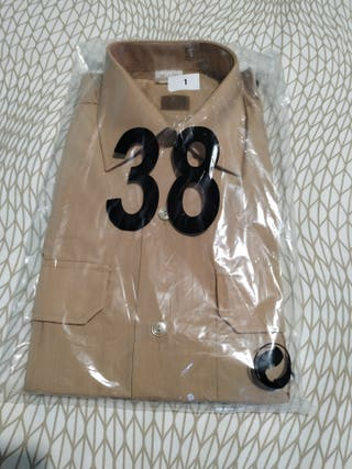 camisa marron