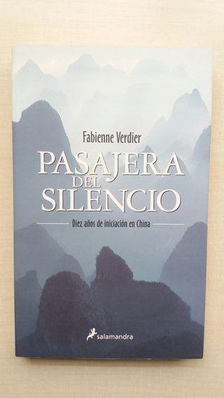 Libro Pasajera del silencio. Fabienne Verdier.