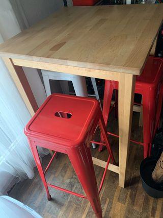 Mesa madera con 3 taburetes Tolix