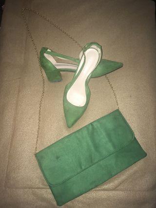 Bolso y sandalia