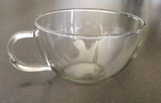 Tasse à thé ou café en verre