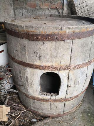 Barrica de vino antiguo