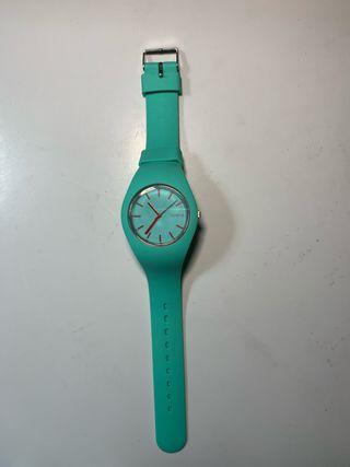 Reloj color Aqua