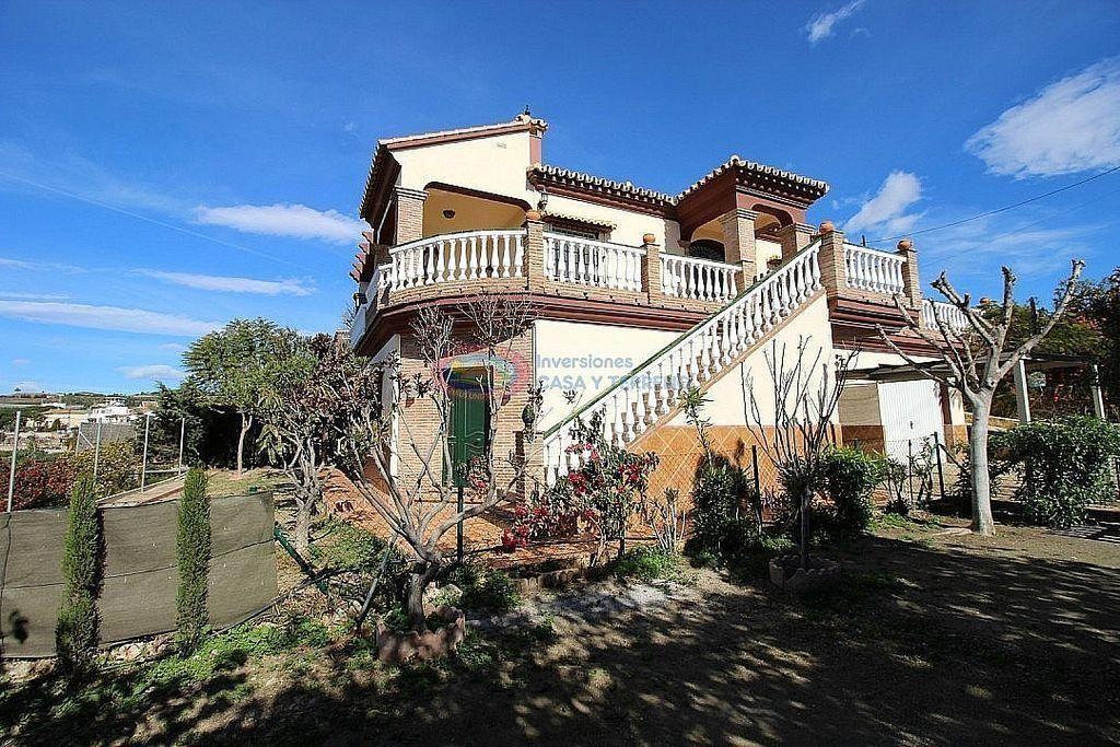 Villa en venta en Algarrobo (Torrox, Málaga)