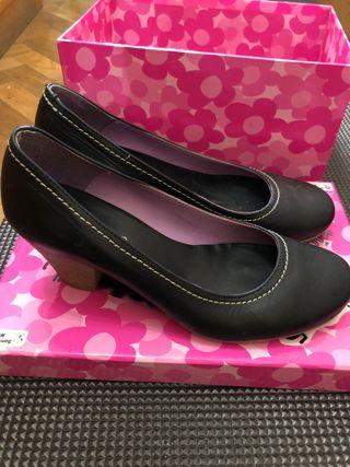 Zapatos tacón bajo PADEVI