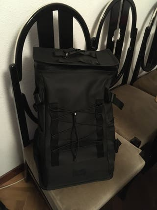 Mochila Rains Mountaineer Bag