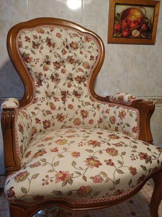 reparación artesanal de pequeño mobiliario