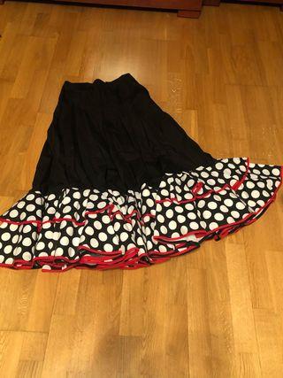 Falda sevillanas/flamenco y mantón rojo liso