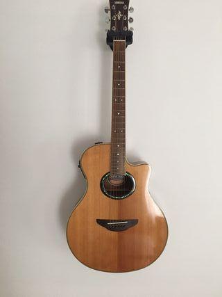 Guitarra Electroacústica Yamaha APX-700