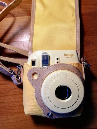 Fujifilm Instax Mini 8 + Funda