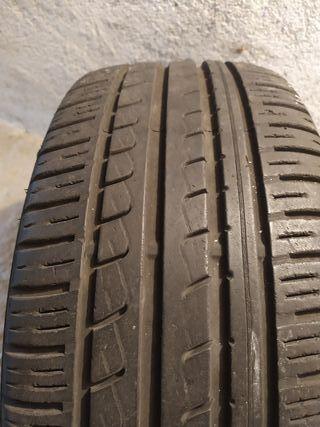neumático pirelli p7 215 40 17